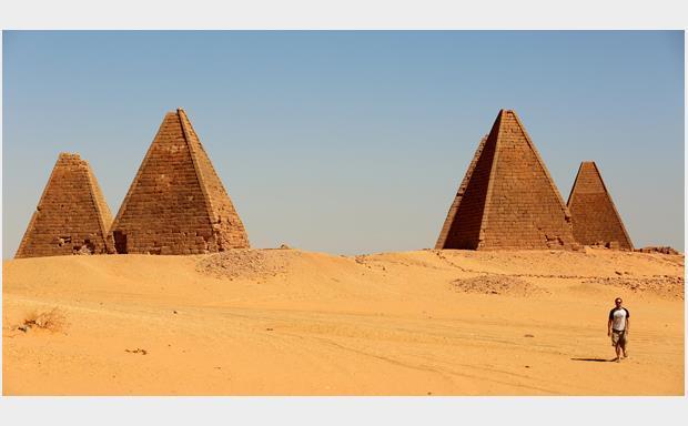 Tuk Tuk_Nubian pyramids